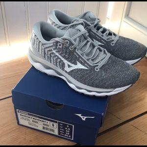 Mizuno wave Skyknit running shoes